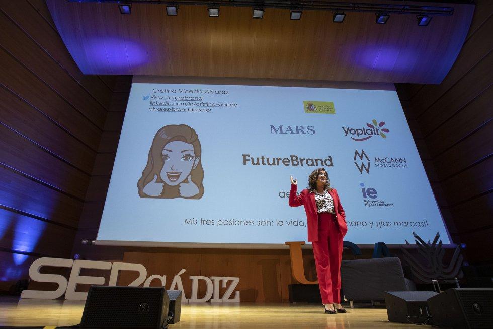 """Cristina Vicedo, de Future Brand, trató de enfocar el destino de las marcas. """"Ahora es el tiempo del Internet de las experiencias"""""""