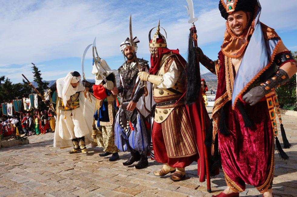 Festa dels Capitans Petrer: Petrer escenifica La Rendició