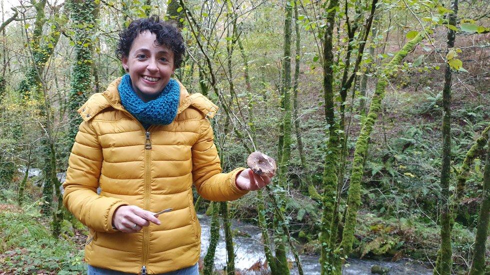 A bióloga Martina Viéitez ensínanos unha Russula