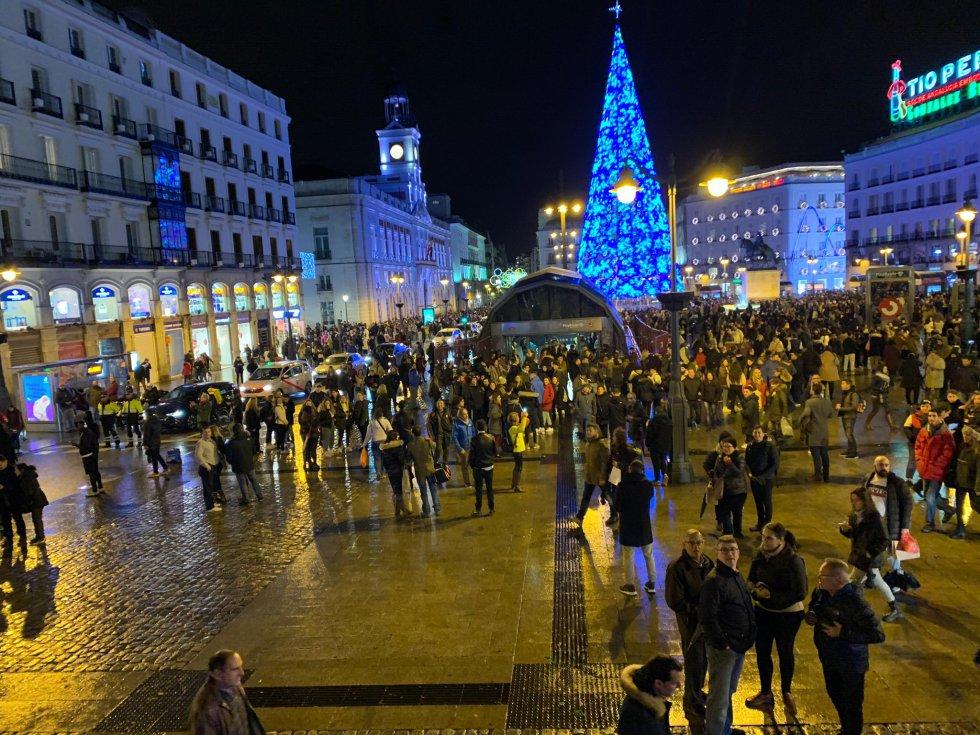La iluminada Puerta del Sol