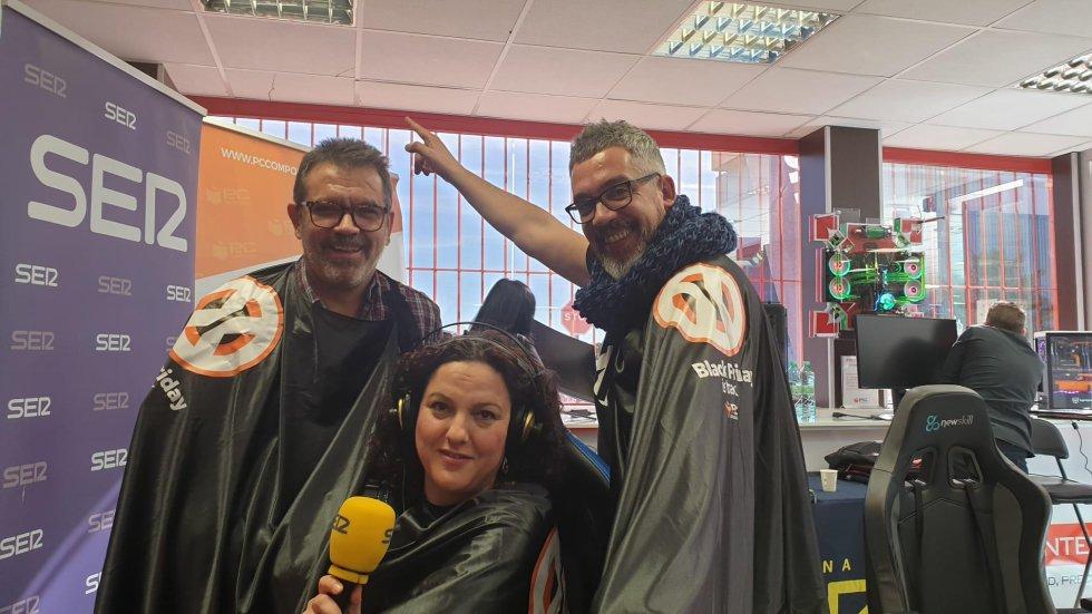 Nuestro técnico de exteriores, Juan Cabañero, con Maica Sánchez y Paco Sánchez