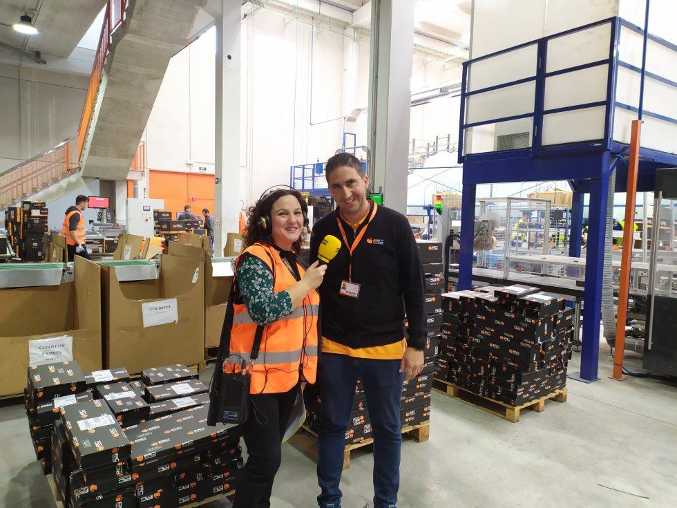 Fran Fullea, responsable del centro logístico que está gestionando 30.000 pedidos más que en 2018