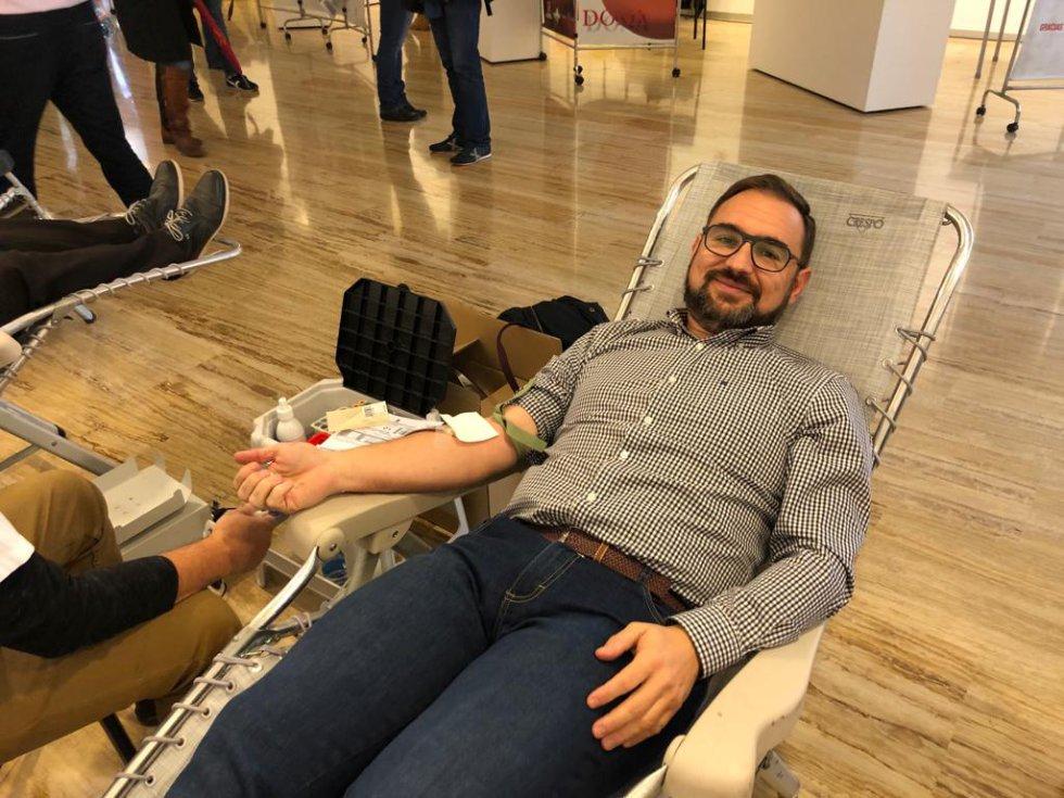 El alcalde de Lorca, Diego José Mateos, en el Maratón de Donación de Sangre 'SER Solidarios'