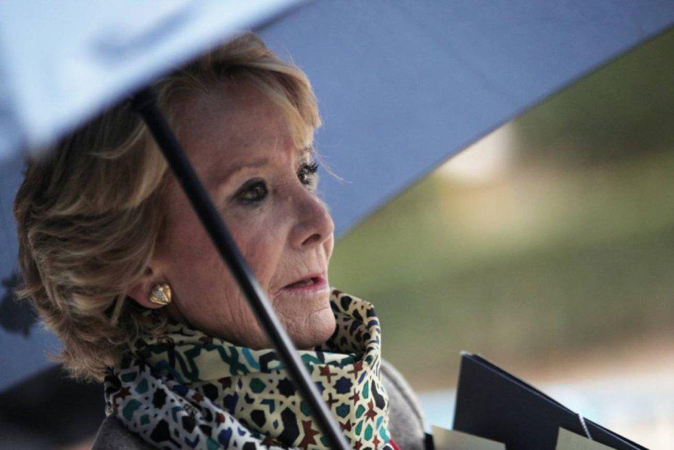 18 de octubre. La ex presidenta de la comunidad de Madrid, Esperanza Aguirre, declara en la Audiencia Nacional por la financiación irregular del Partido Popular.