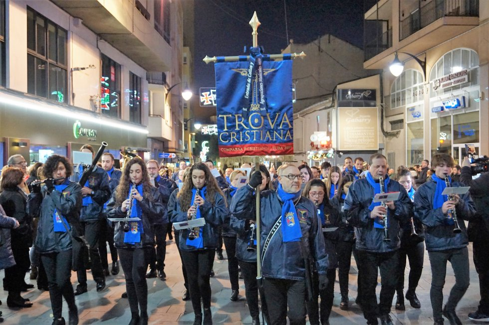 media fiesta Elda: Elda celebra su Desfile de Collas