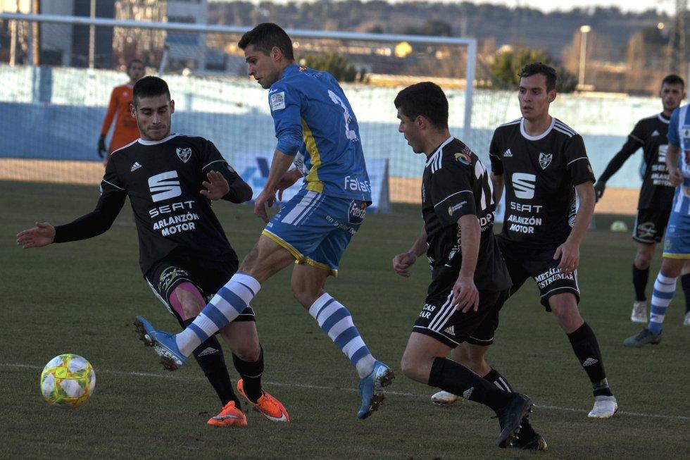 Las imágenes del derbi provincial con triunfo (2-0) de la Arandina sobre el Bupolsa en El Montecillo.