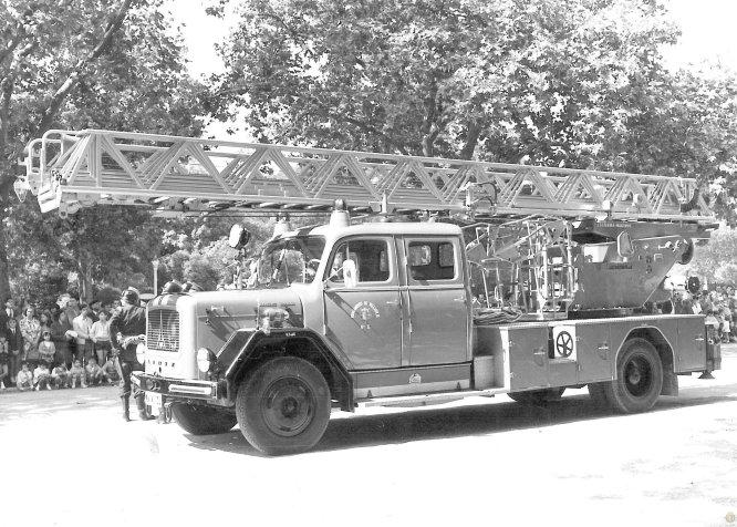Uno de los vehículos que han formado parte del Servicio de Extinción en una instantánea sin datar