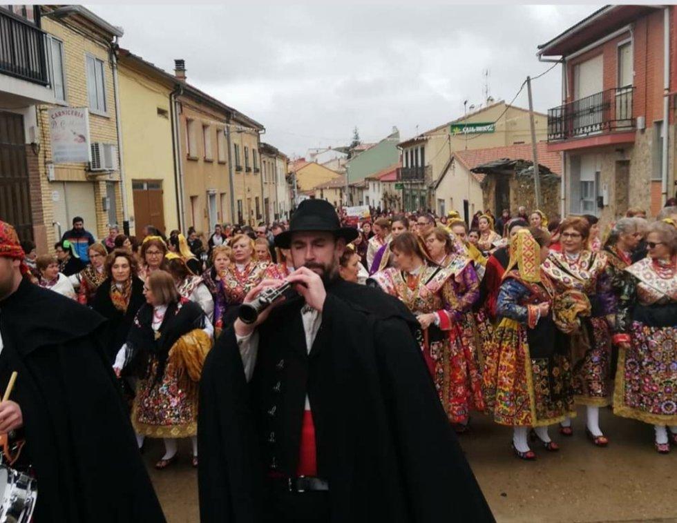 Las águedas De La Provincia Celebran Su Encuentro Anual En Carbajales De Alba Fotogalería Radio Zamora Cadena Ser