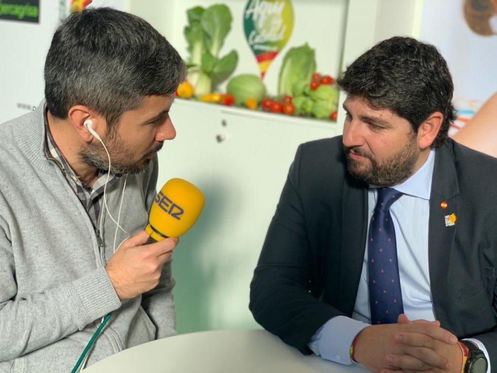El presidente de la Región de Murcia, Fernando López Miras, también atendió a la Cadena SER en Berlín
