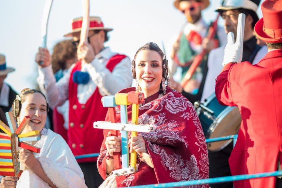 Las Falleras Mayores de Gandia, Sandra Faus y Alba Ramón, participan del carnaval de Fano