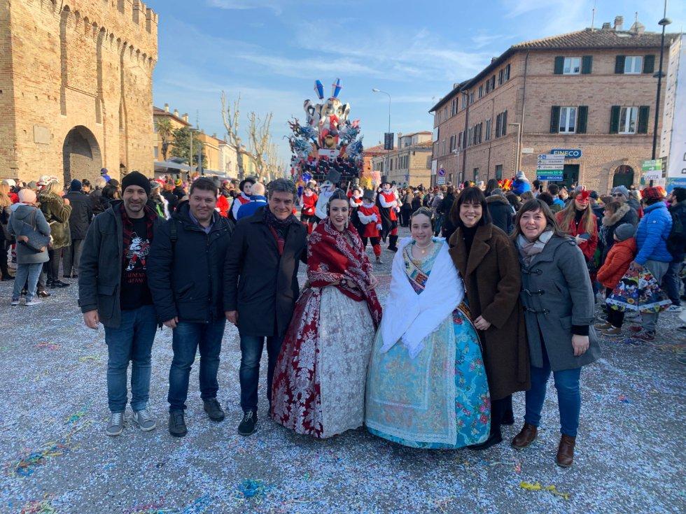Los carnavales en Fano han preparado una programación especial para que desfilaran los representantes de Gandia y las fallas
