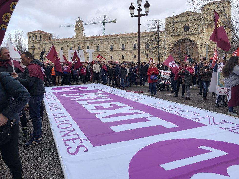 La reclamación de autonomía para León ha estado presente en la marcha