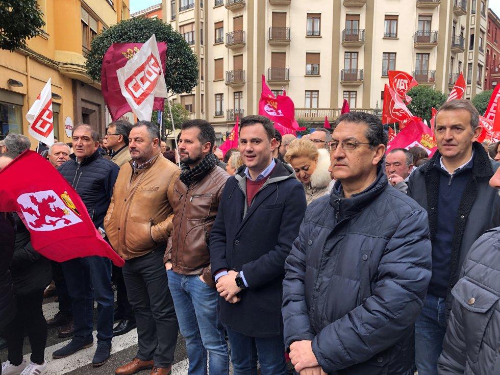 Por parte del PSOE asistieron su secretario autonómico, Luis Tudanca, el provincial, Javier Cendón y el presidente de la DIputación, Eduardo Morán