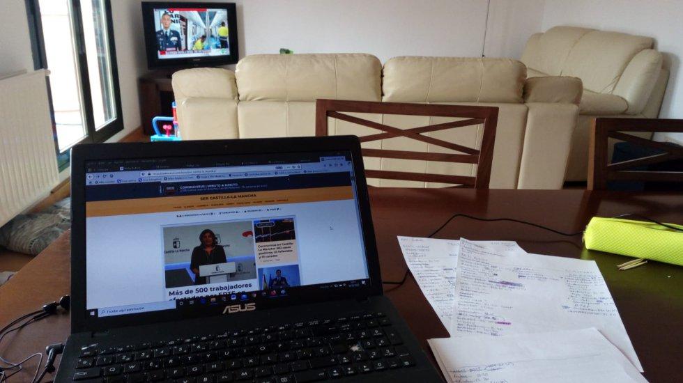 Rubén Delgado edita web desde casa