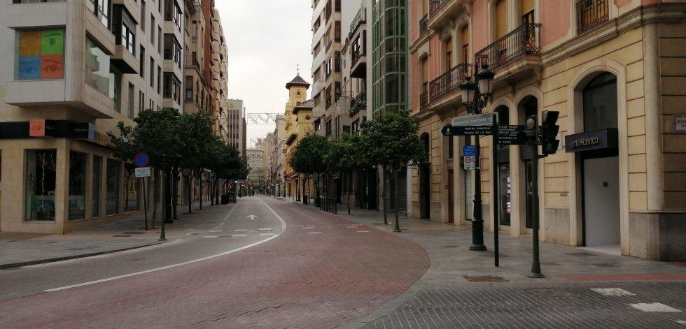 Plaza La Paz con calle Gasset