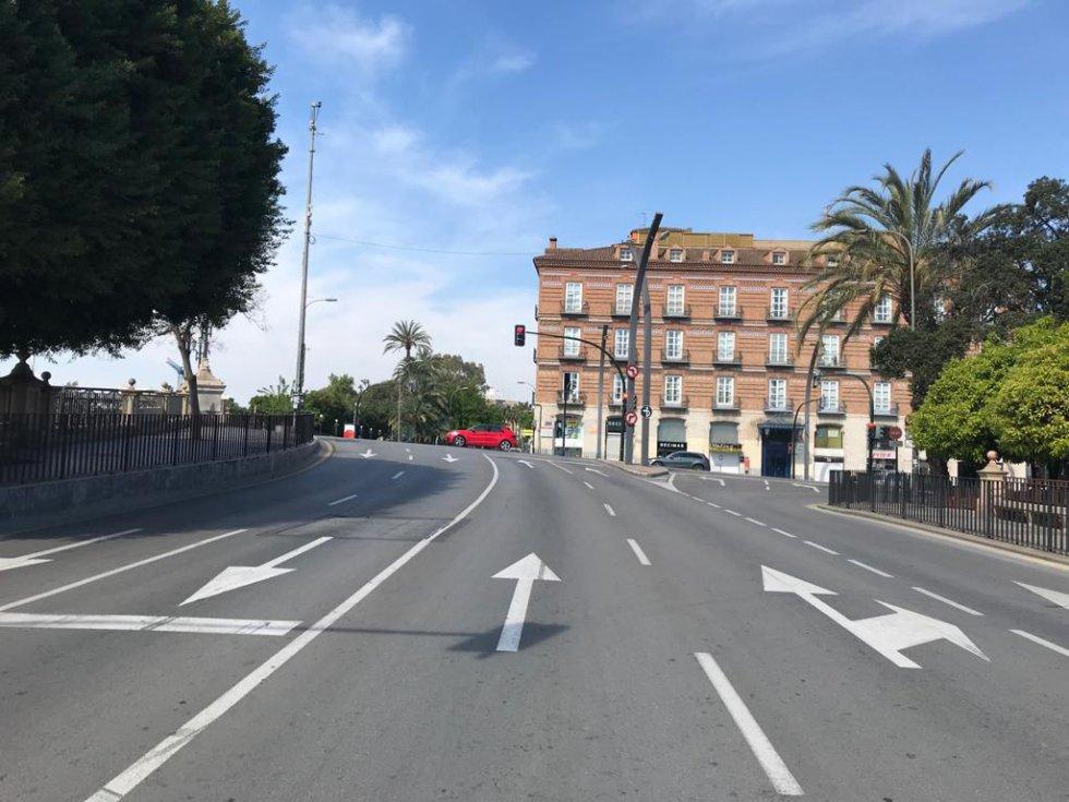 Paseo Teniente Flomesta con Plaza Martínez Tornel (Murcia)