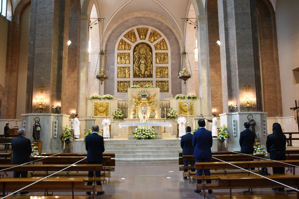 Vila-real celebra la misa de Sant Pascual a puerta cerrada