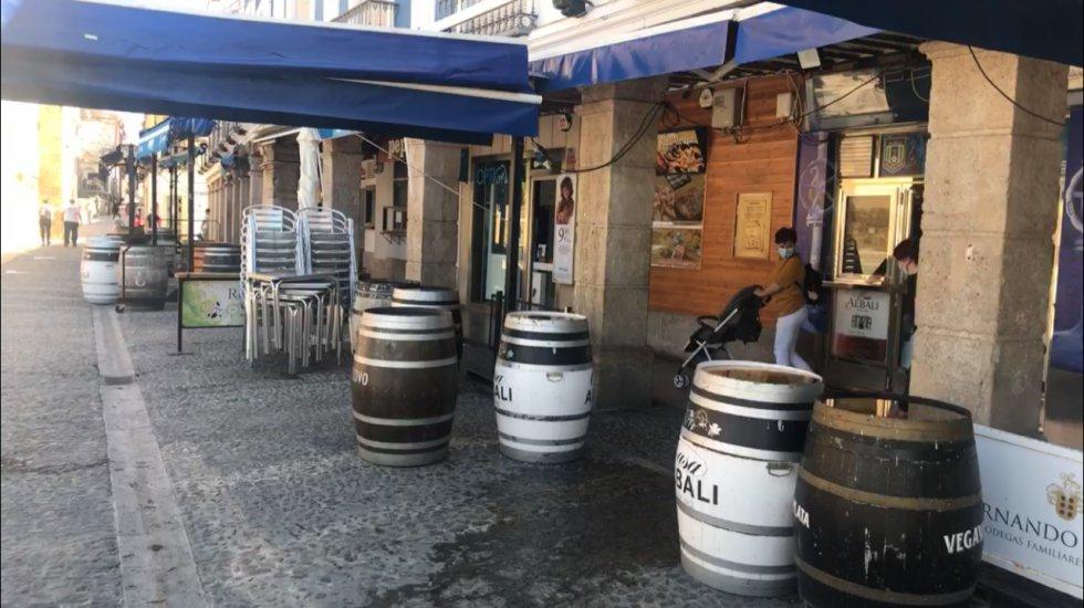 Ningún bar de la Plaza de España ha reabierto, durante esta primera jornada de la Fase 1