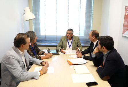 Imagen de una las reuniones mantenidas con diferentes grupos parlamentarios. En este caso, Ciudadanos