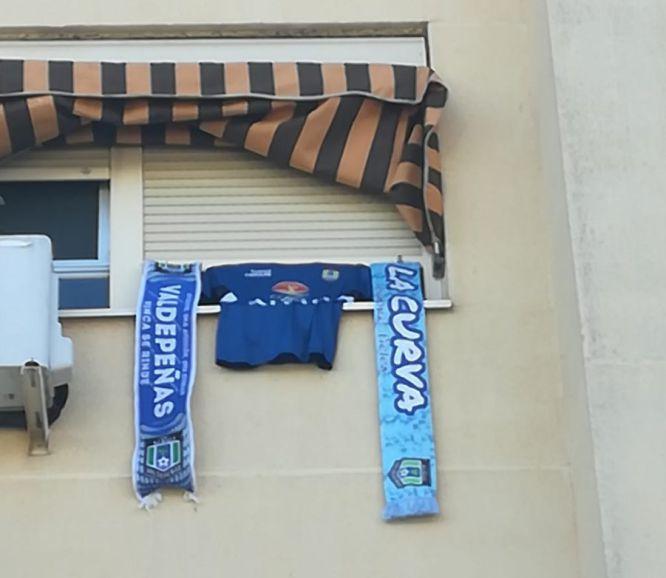 Las calles de Valdepeñas se preparan para los playoff por el título de liga, que disputará el Viña Albali Valdepeñas