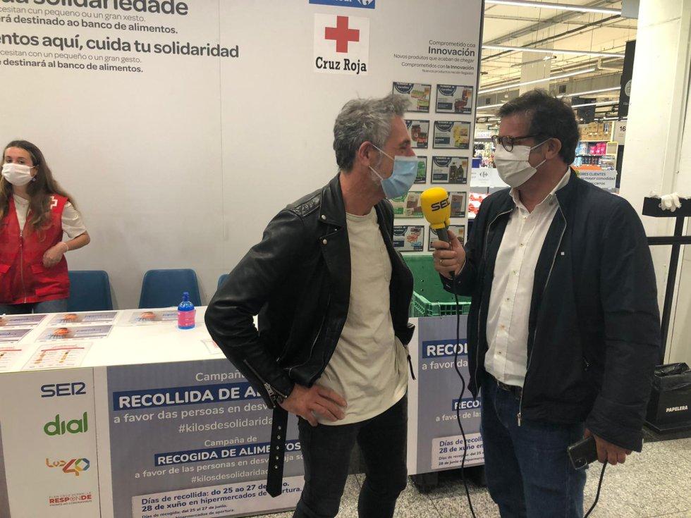 El Chef Pepe Solla se acercó al Carrefour de As Cancelas para apoyar la campaña