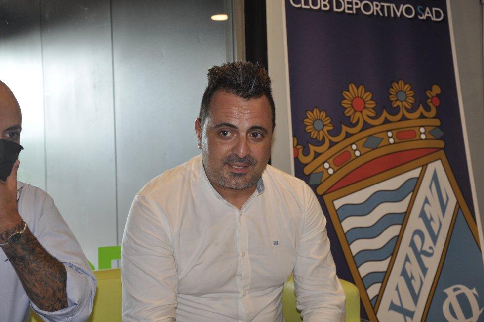 Imágenes presentación de Joaquín Poveda, nuevo entrenador del Xerez CD