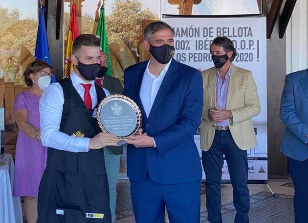 Acto de entrega de premios del Concurso Nacional de Cortadores de Jamón celebrado en Villanueva