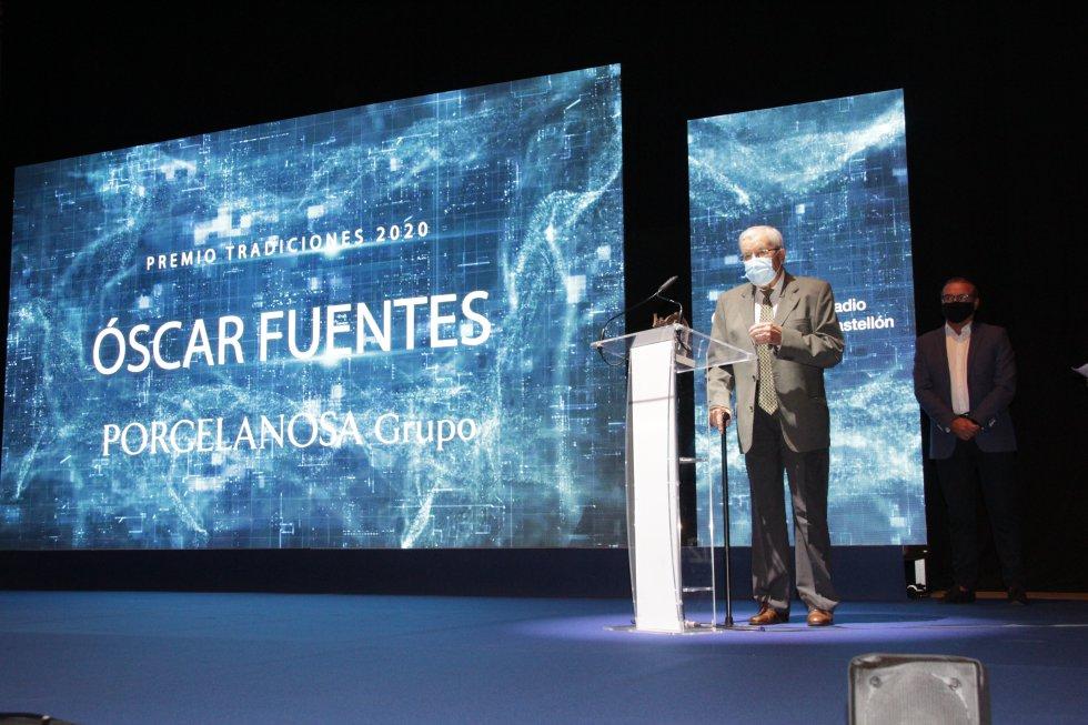 Premio Tradiciones - Óscar Fuentes