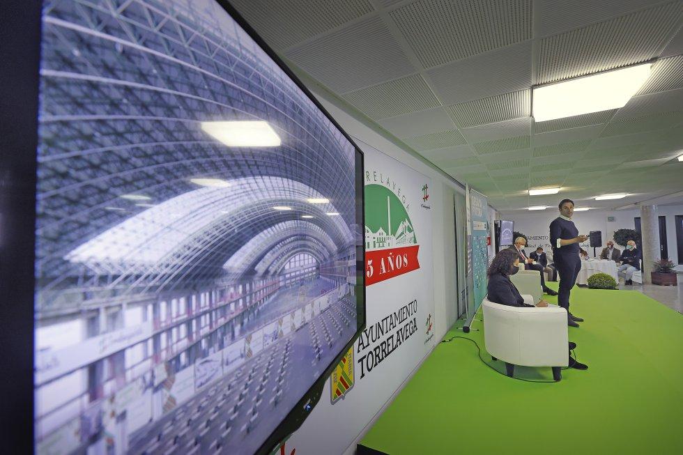 El foro 'Besaya Futura' se ha celebrado en las instalaciones del propio Mercado Nacional de Ganados.