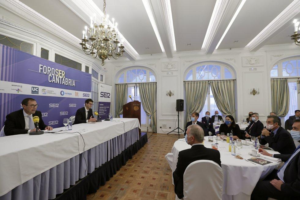 El Foro SER Cantabria se ha celebrado en el Hotel Real.
