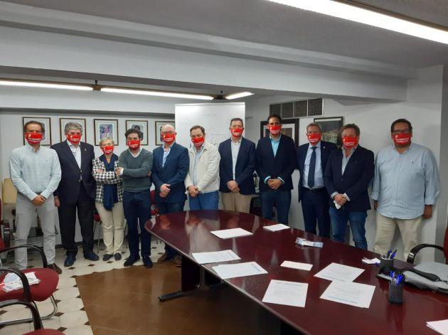 Los responsables de la Federación de Empresarios de Hostelería de Andalucía, en una reciente asamblea