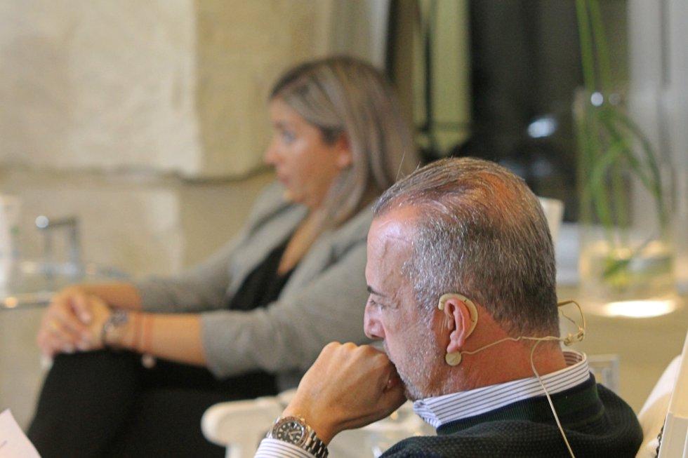Perfecto Palacio, presidente de la Confederación Empresarial de la Comunitat Valenciana en Alicante (CEV) y Mari Carmen Sánchez, vicealcaldesa de Alicante y concejala de Turismo del Ayuntamiento de Alicante
