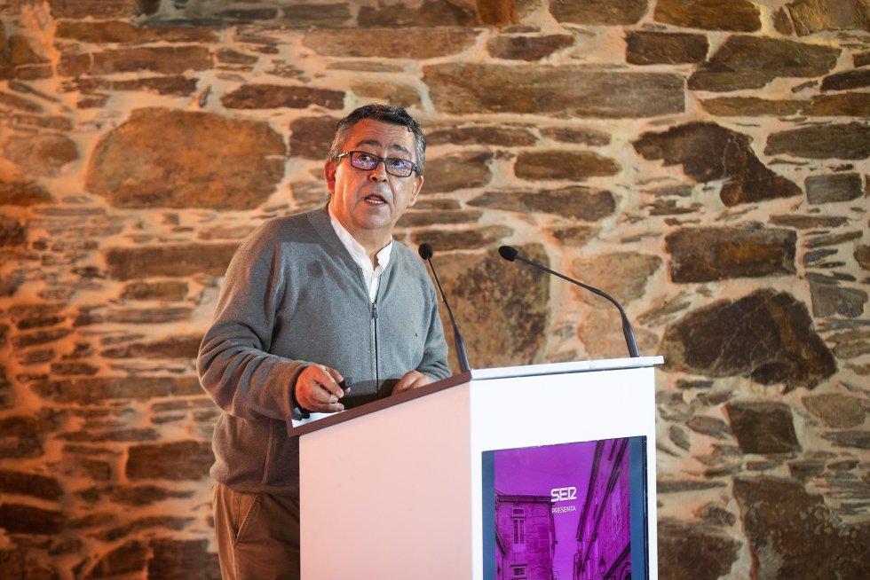 Edelmiro López, Profesor Economía USC