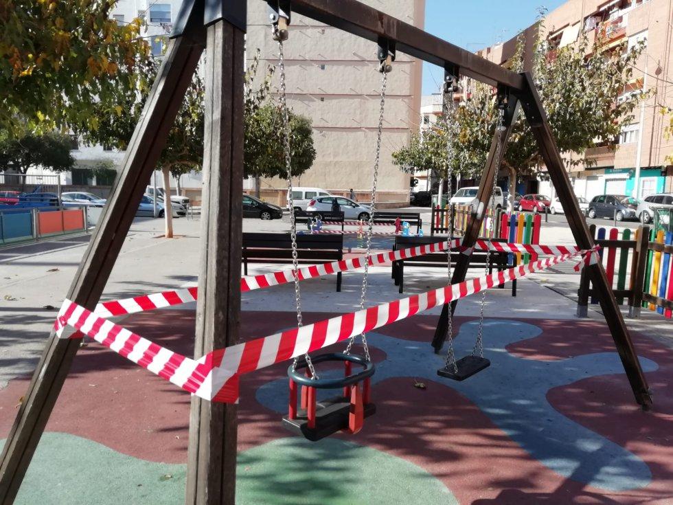 Castelló prohíbe usar los juegos infantiles en los espacios públicos hasta el 9 de diciembre