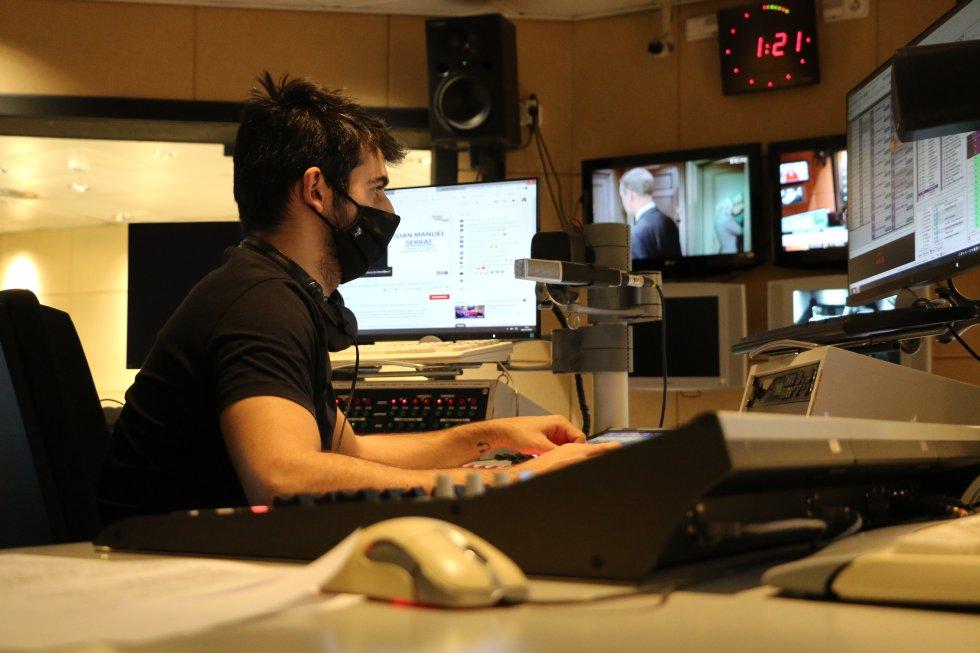 El tècnic Xavi Lázaro va controlar que la nit tinguès el millor so
