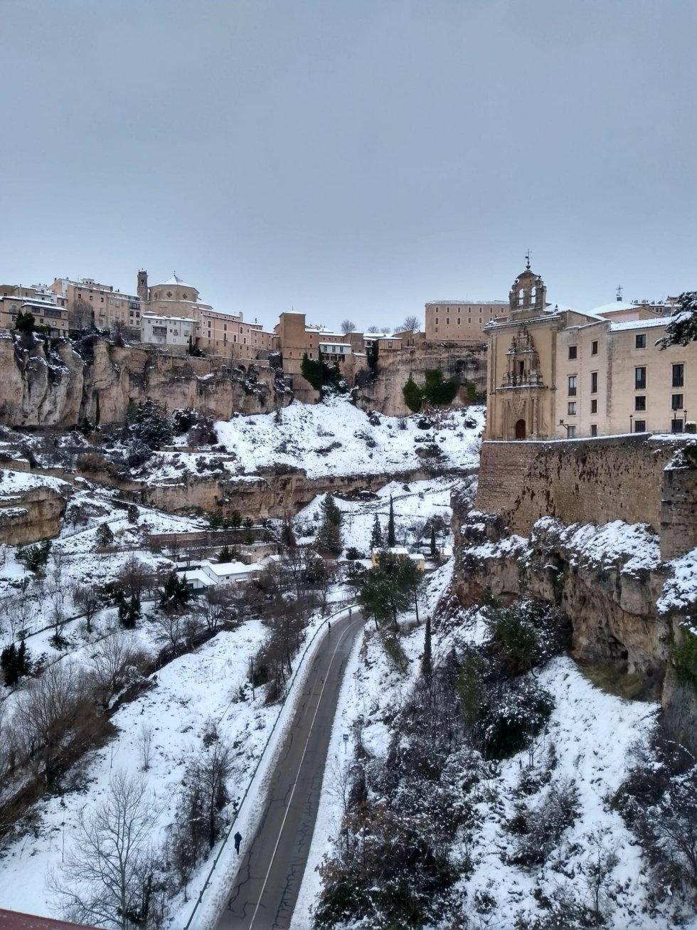 Cuenca, tapizada de blanco por la nieve de Filomenta