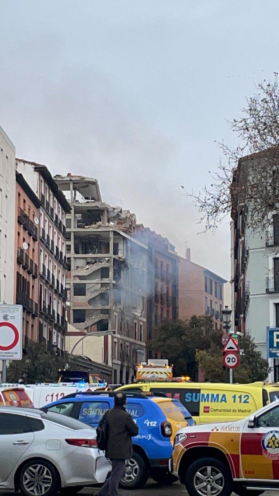 Explosión en un edificio de la calle Toledo de Madrid.