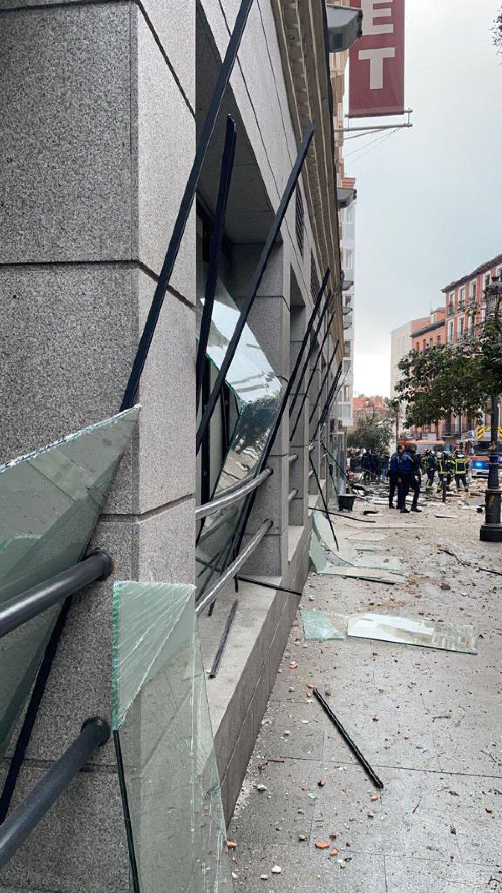 Cristales rotos en la calle Toledo.