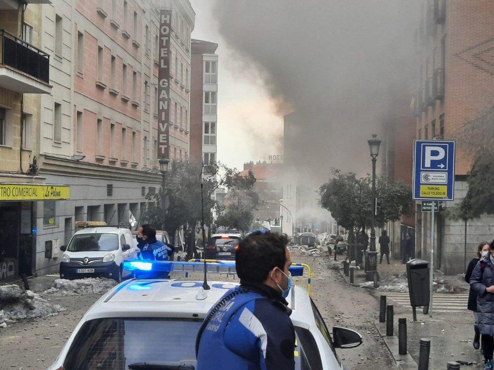 Explosión en parte de un edificio en la calle Toledo de Madrid.