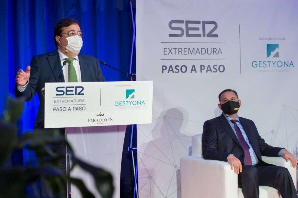 El presidente de la Junta de Extremadura, Guillermo Fernández Vara,  durante su intervención
