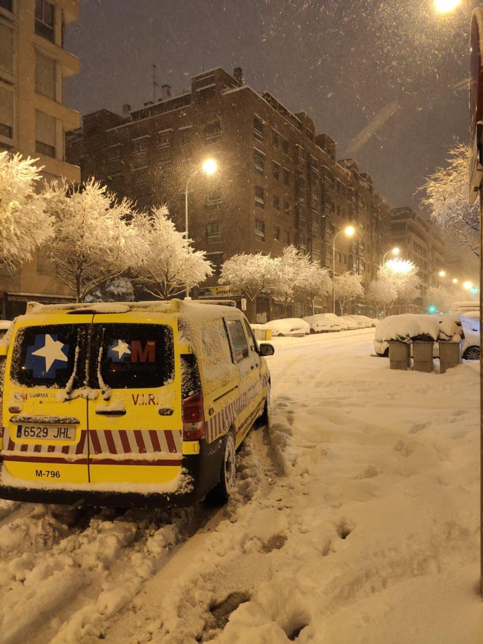 """Así fue la """"caótica"""" gestión del SUMMA durante la gran nevada, en imágenes"""
