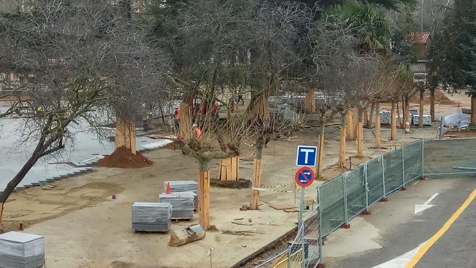 Tras la pavimentación, las obras continuarán con la instalación de diferentes equipamientos como la zona infantil o el skate park