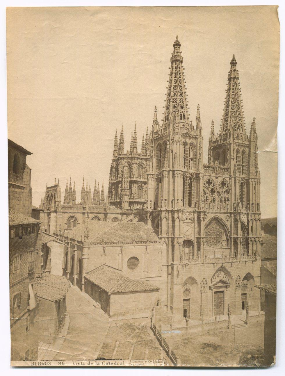 BURGOS._96._Vista de la Catedral. Museo Nacional del Teatro