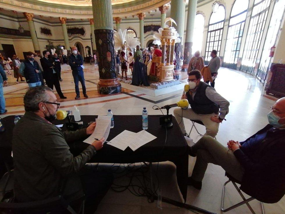 Pedro Morón contesta a las preguntas del concurso de cultura cofrade