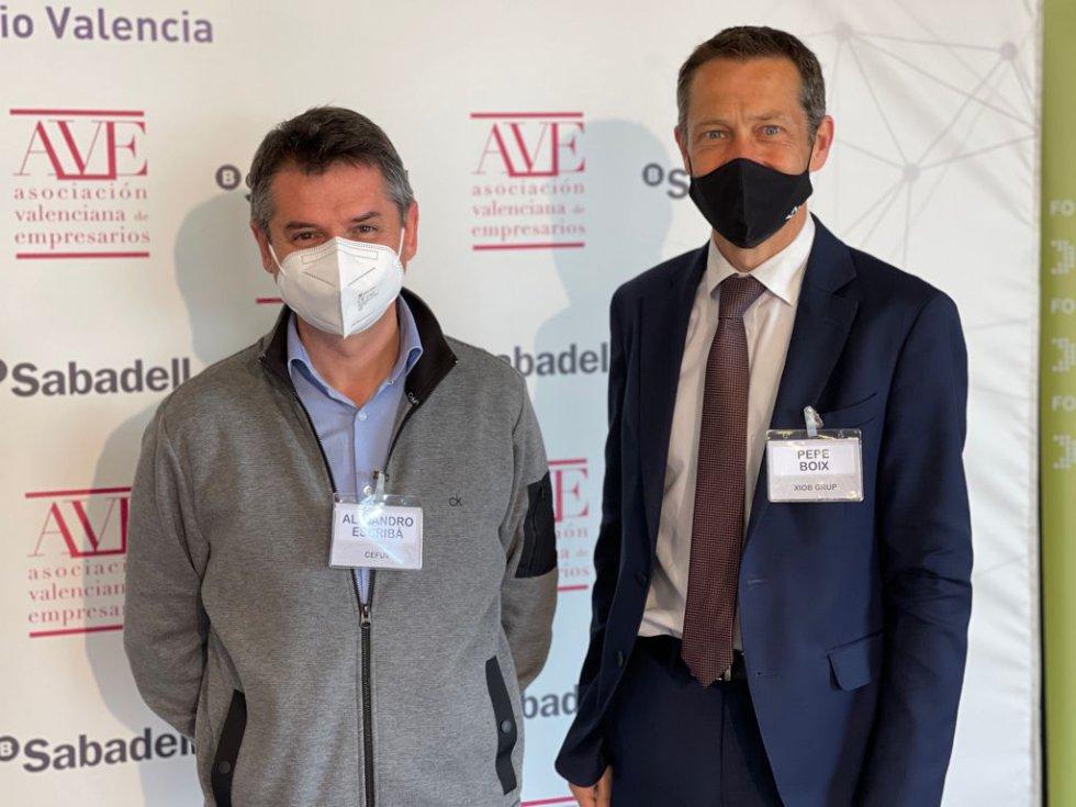 Invitados al Encuentro SER sobre la empresa familiar este martes en València.