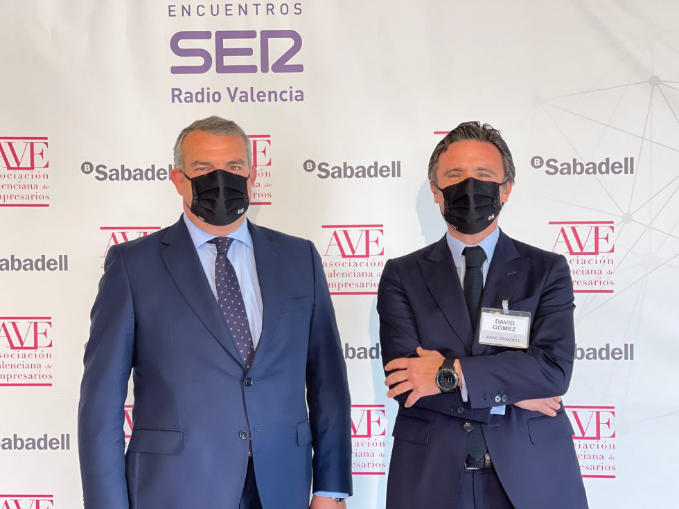 Invitados al Encuentro SER sobre empresa familiar este martes en València.