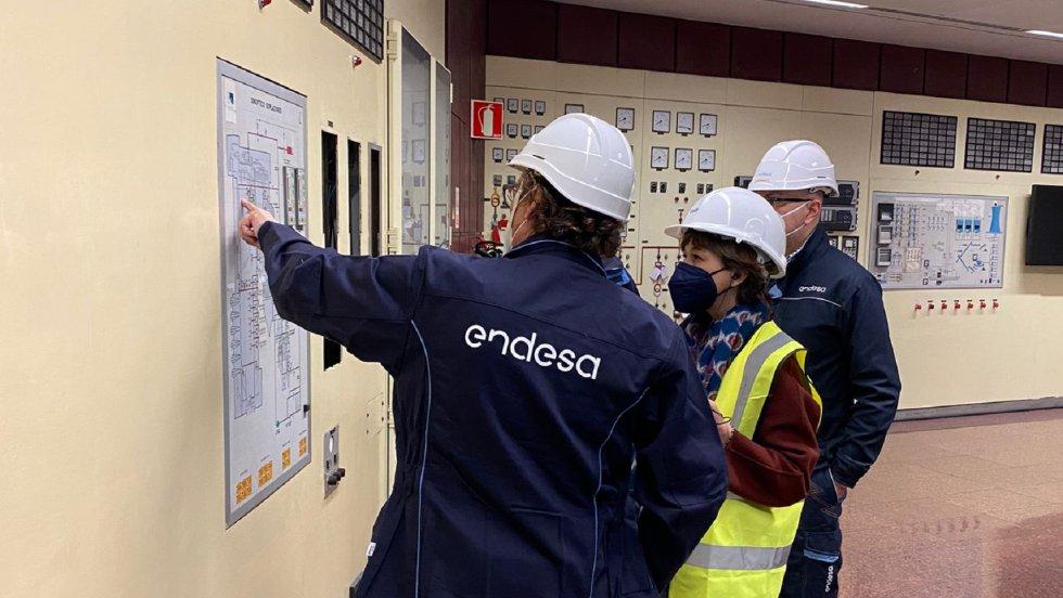 Explicaciones en la Central Térmica de Andorra