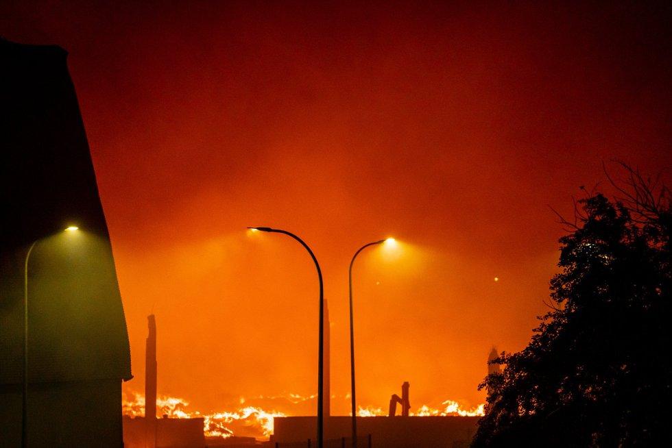 Incendio de una nave industrial, el 13 de abril de 2021, en Seseña Nuevo, Toledo, Castilla- La Mancha, (España).