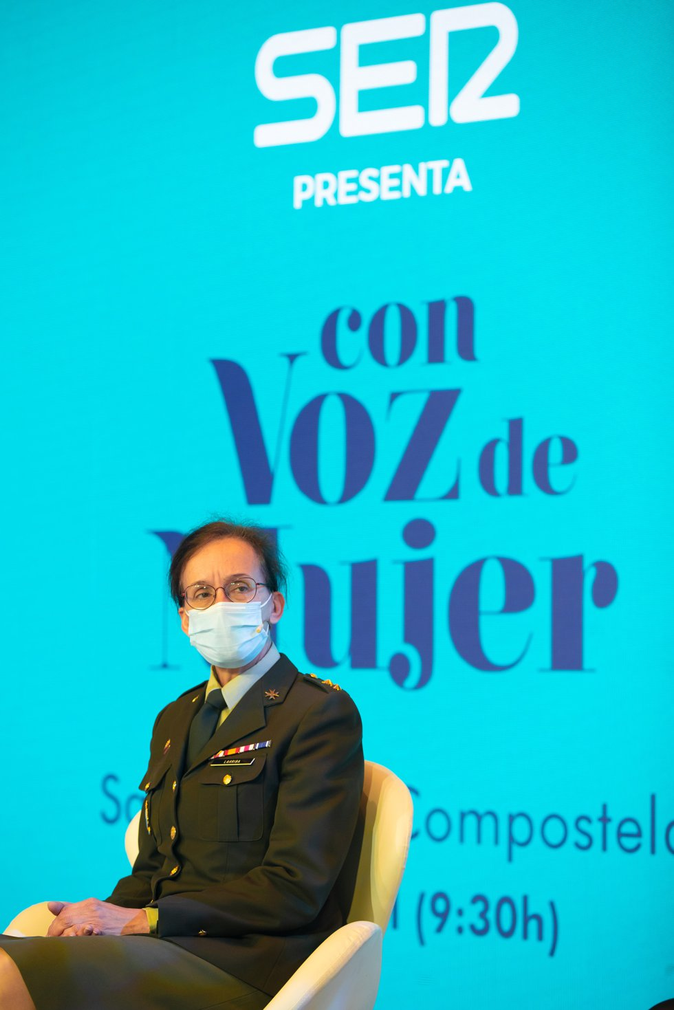 La teniente coronel Cristina Larriba durante el coloquio en el que ha participado.