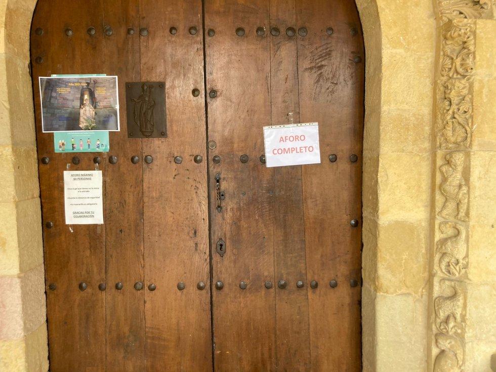 Aforo completo (60 personas) en la misa de San Prudencio en Armentia